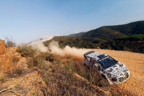 Συνεχίζει τις δοκιμές στο χώμα η Hyundai (vid)