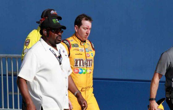 To NASCAR αφήνει τους οδηγούς του να πλακώνονται στο ξύλο (vid)