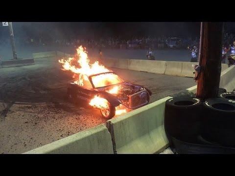 Κάψ'το μέχρι να γίνει στάχτη! Επικό burnout με ένα Mazda MX-5 (vid)