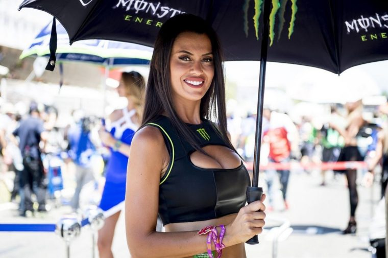 Έλαμψαν και πάλι τα paddock girls του MotoGP στην Βαρκελώνη (pics+vid)