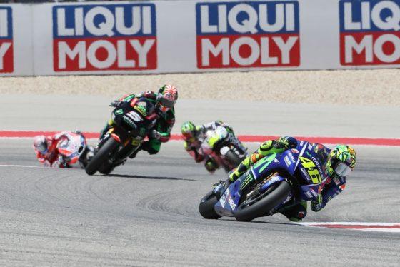 O Rossi συγχαίρει τους αναβάτες της Tech3