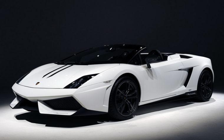 Lamborghini Gallardo παίρνει φωτιά και ο ιδιοκτήτης τρελάθηκε (vid)