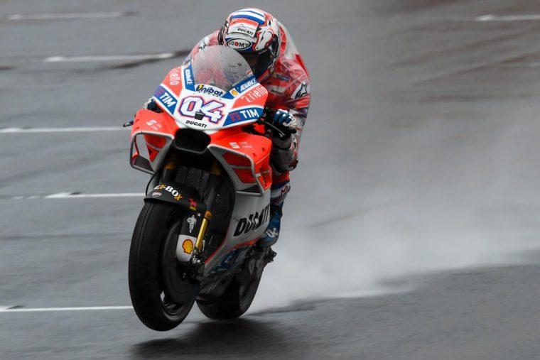 GP Ιαπωνίας FP2: O Dovi χόρεψε στη βροχή, πτώση για Marquez