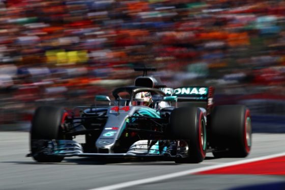 Σφοδρή επίθεση Hamilton στην Pirelli για τη φθορά των ελαστικών