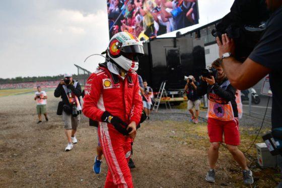 Ο Verstappen υπερασπίζεται τον Vettel