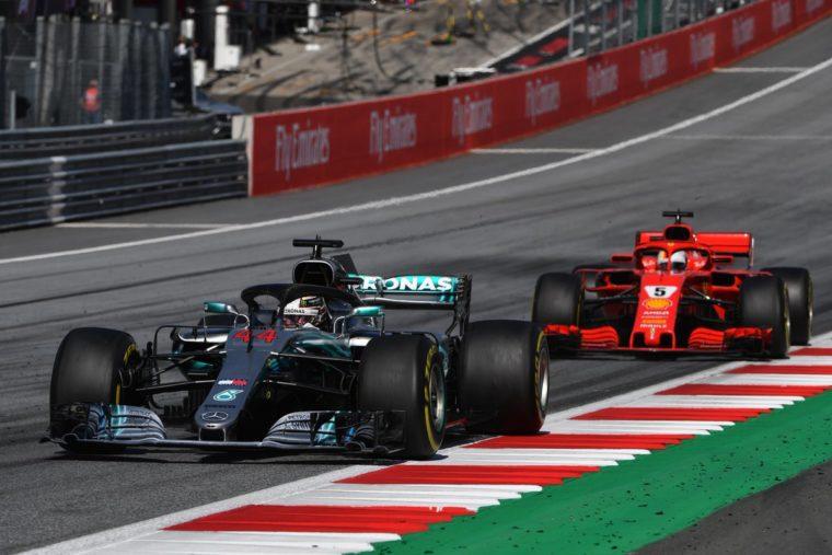 Hamilton: «Αγωνιζόμαστε με μια ομάδα ταχύτερη από εμάς»