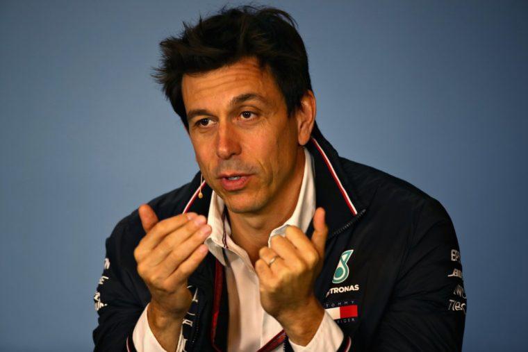 Wolff: «Καλύτερος οδηγός ο Hamilton. Άδικη η κριτική προς τον Vettel»
