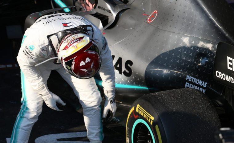 Hamilton: «Εγώ επέτρεψα στο να ανοίξει τόσο η διαφορά με τον Bottas»