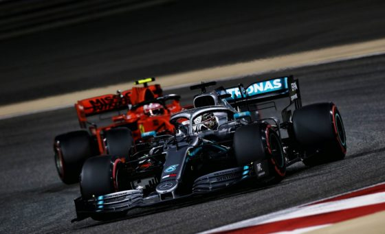 Hamilton: «To πλεονέκτημα της Ferrari είναι στις ευθείες»