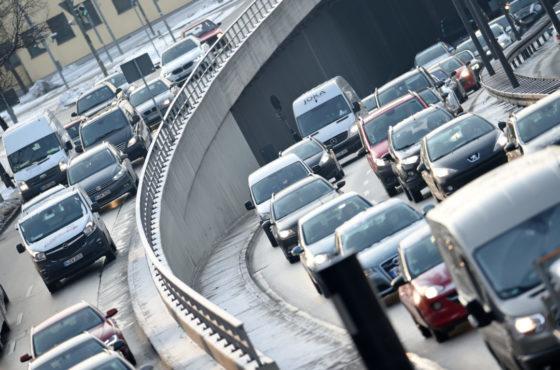 """Νέα έρευνα """"καίει"""" και πάλι τα diesel αυτοκίνητα"""