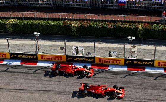 H Ferrari αρνείται πως ευνόησε τον Leclerc με το undercut στον Vettel