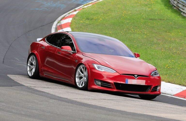 Έσπασε το ρεκόρ της Porsche η Tesla στο Ring;