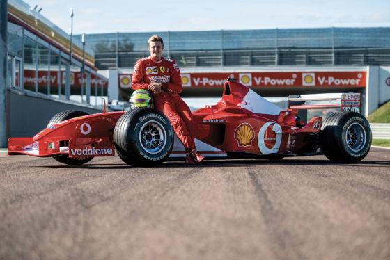 O Mick Schumacher οδήγησε τη Ferrari F2002 του πατέρα του (video)