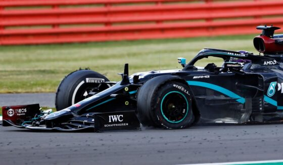 GP Μ. Βρετανίας Race: Θρίαμβος με τρία ελαστικά για Hamilton